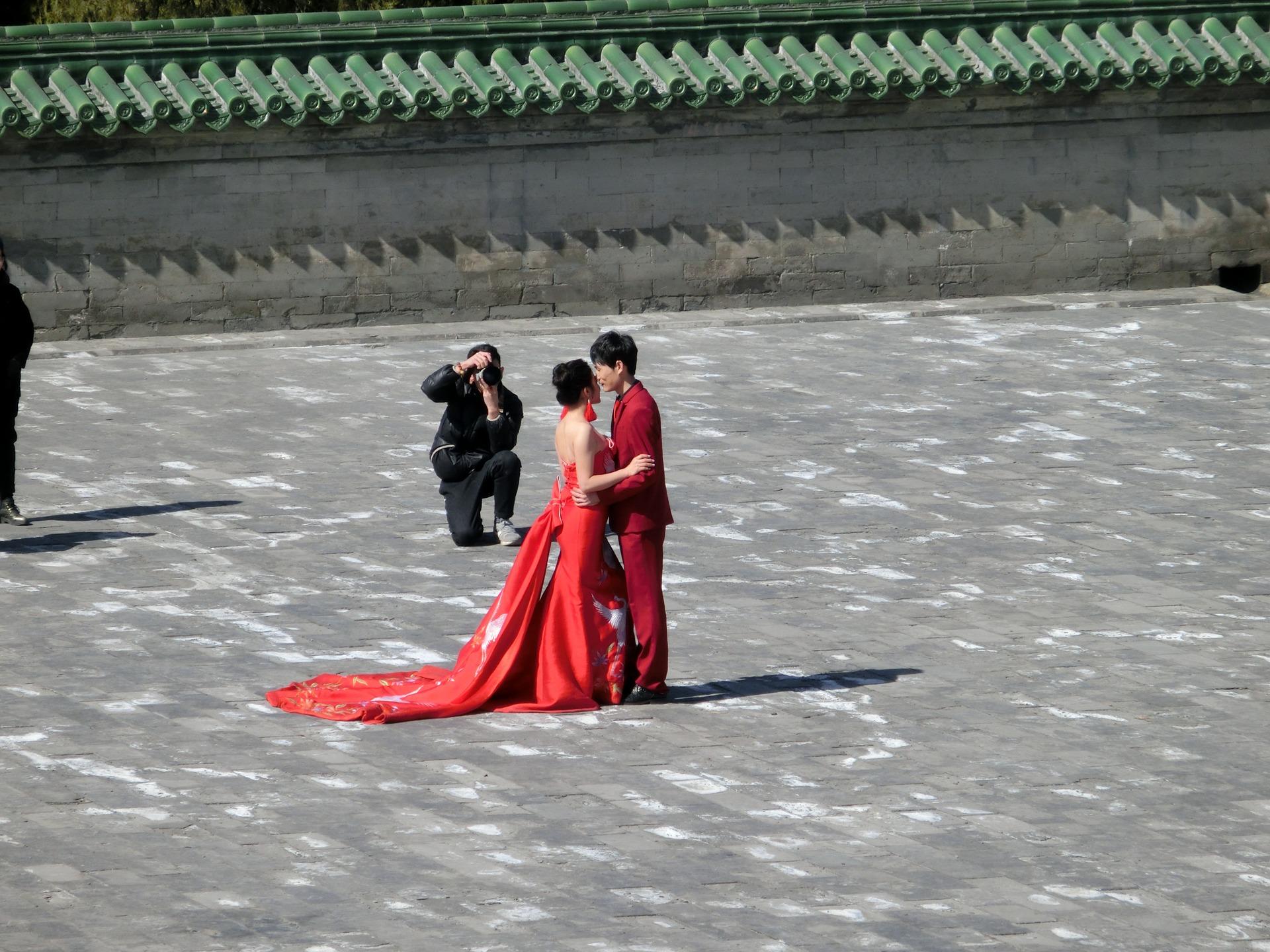 Per le spose più particolari proponiamo anche abito da sposa rosso